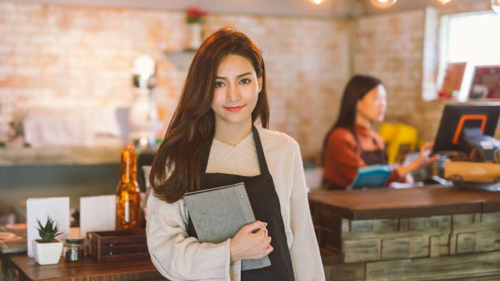 Work and Travel Kellnerin im Restaurant